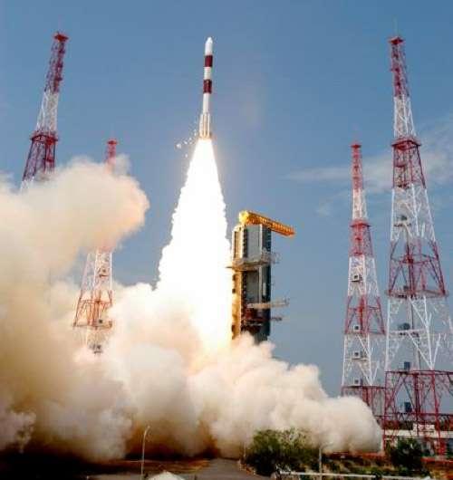 Ce premier lancement de l'année d'un PSLV indien sera la 23e mission de ce lanceur. À l'image, le lancement du satellite Megha-Tropiques en octobre 2011 par un PSLV (C-18). © Isro