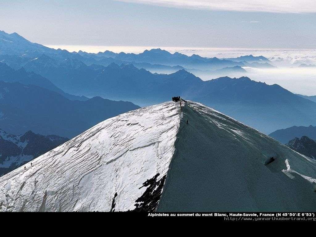 Alpinistes au sommet du mont Blanc, Haute-Savoie, France