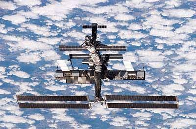 La Station Spatiale Internationale le 15 juillet 2006 (crédit : NASA)