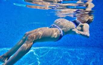 Les séances en piscine sont sources de relaxation. © Fwed, Fotolia