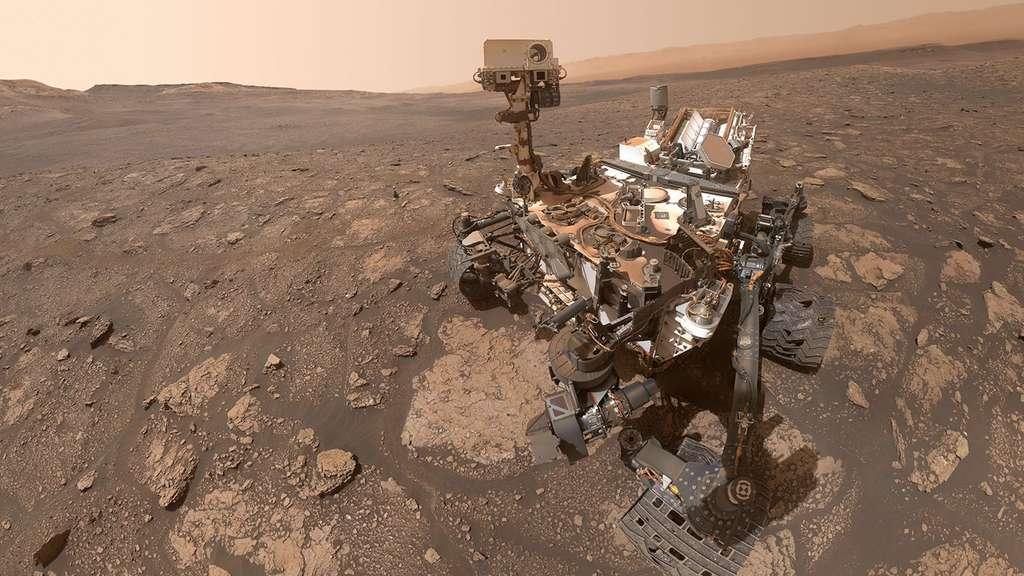 Il y a quelques jours, le rover Curiosity prenait ce selfie depuis le site nommé «Mary Anning». Alors même qu'il quittait une région qui, les astronomes le pensent, présentait par le passé, des conditions favorables au développement de la vie. © Nasa, JPL-Caltech, MSSS