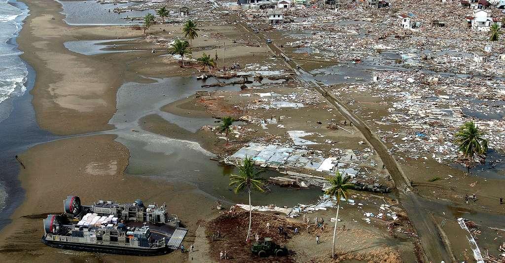 Effets dévastateurs d'un tsunami à Meulaboh, Sumatra, Indonesia. © A. Bauer, DP