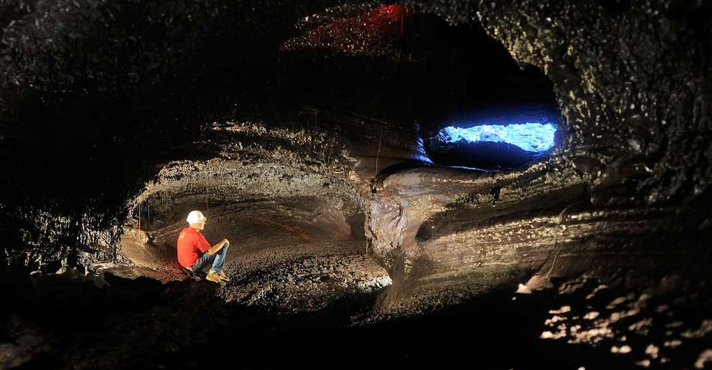 Tunnel de lave, ile de la Réunion.© Dunog, CC BY-NC 2.0