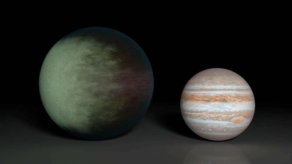 Bien que 1,5 fois plus grande que notre Jupiter, Kepler-7b ne fait que 0,4 fois sa masse. En orbite synchrone de 4,8 jours autour de son étoile-hôte très proche, ce « Jupiter chaud » arbore des nuages détectés avec le satellite Kepler sur une moitié de sa surface. © Nasa, JPL-Caltech, MIT