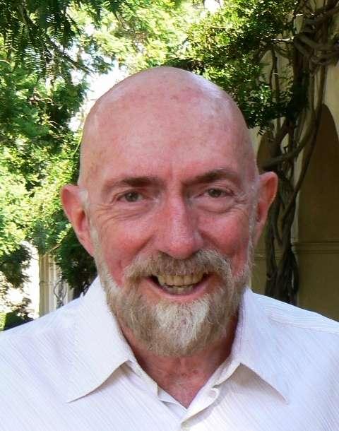 Kip Stephen Thorne est un physicien théoricien américain, connu pour ses contributions dans le domaine de la gravitation, de la physique et de l'astrophysique. C'est l'un des plus grands experts de la théorie de la relativité générale d'Einstein. © Wikipédia-Keenan Pepper