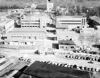 L'usine du Bouchet en 1961. Le site a été utilisé pour le traitement du minerai d'uranium de 1946 à 1971. © DR