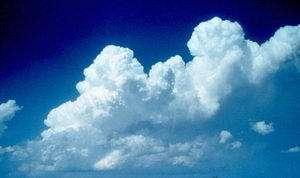 Figure 1: Au sein d'un cumulus, la turbulence peut faciliter l'apparition de précipitations.
