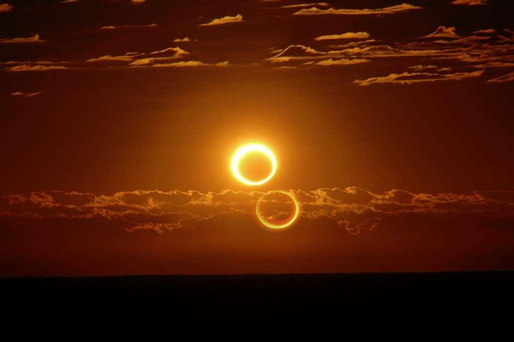 Non, il n'y a pas eu deux éclipses annulaires de Soleil au-dessus de l'Australie le 10 mai 2013 ! Un reflet dans l'objectif photo est à l'origine de ce curieux dédoublement. © Nicole Hollenbeck