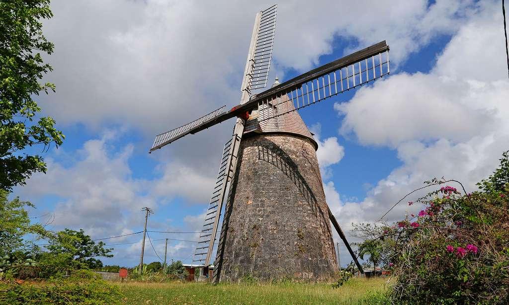 Un des moulins les mieux conservés de Marie-Galante : le moulin de Bézard. © Antoine, tous droits réservés