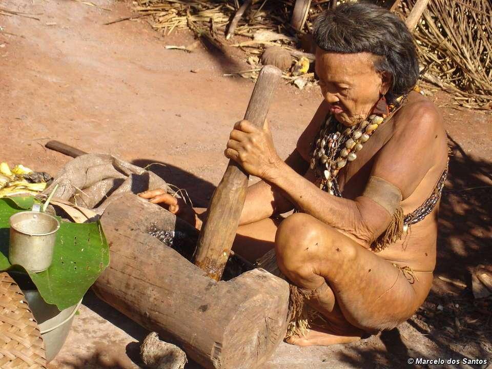Ururu, la doyenne des Akuntsus. Elle est décédée fin 2009. © Marcelo dos Santos