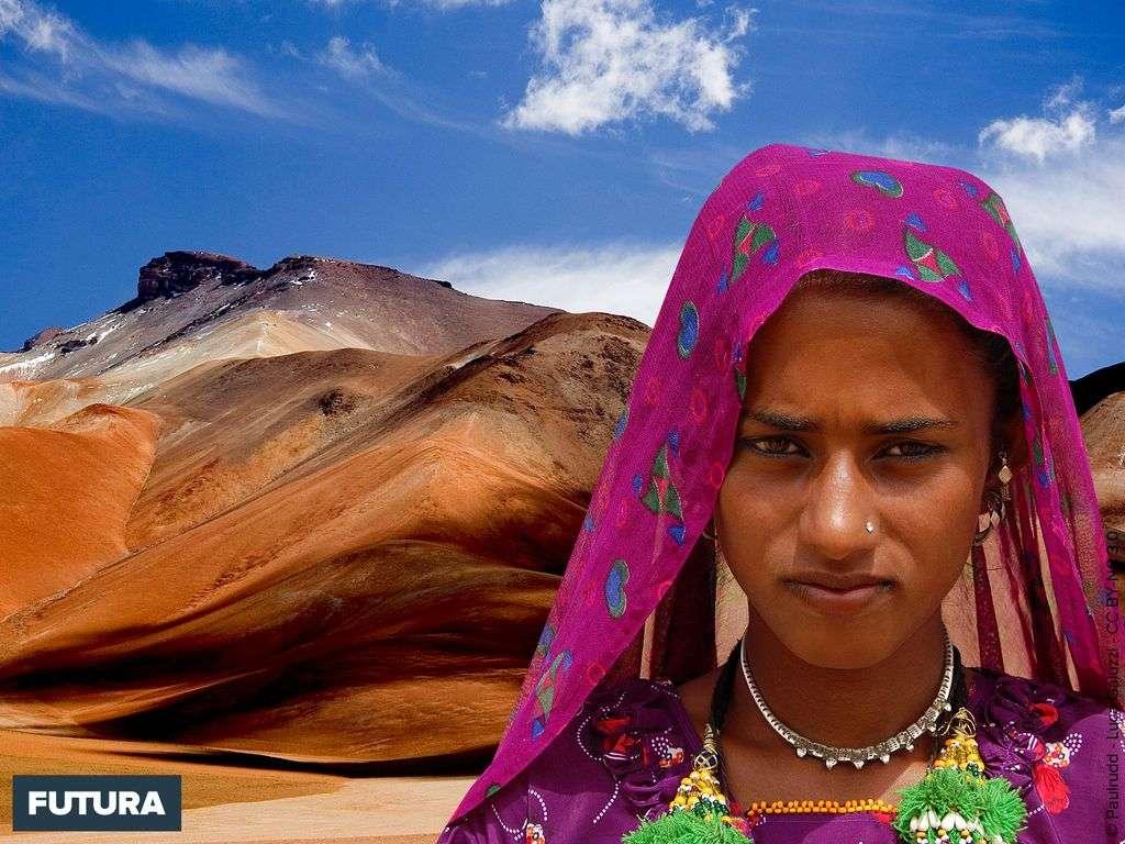 Jeune femme dans le désert du Thar - Inde