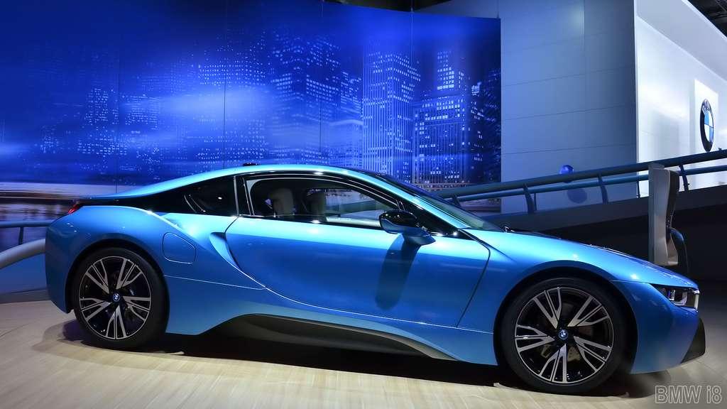 La BMW i8, une voiture de sport hybride rechargeable