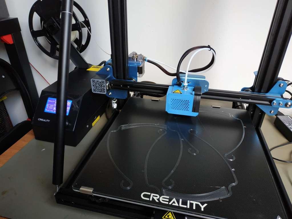 L'imprimante 3D est l'outil privilégié des makers pour concevoir des équipements de protection contre le coronavirus. © EPITA