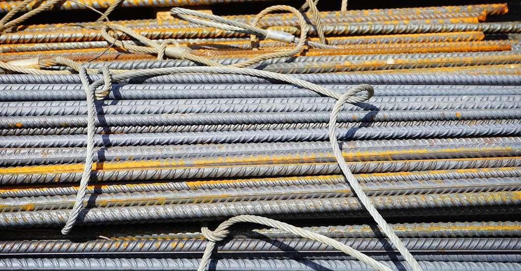Le béton armé est un matériau composite fabriqué à partir de béton classique et de barres d'acier. © Hans, Pixabay, DP