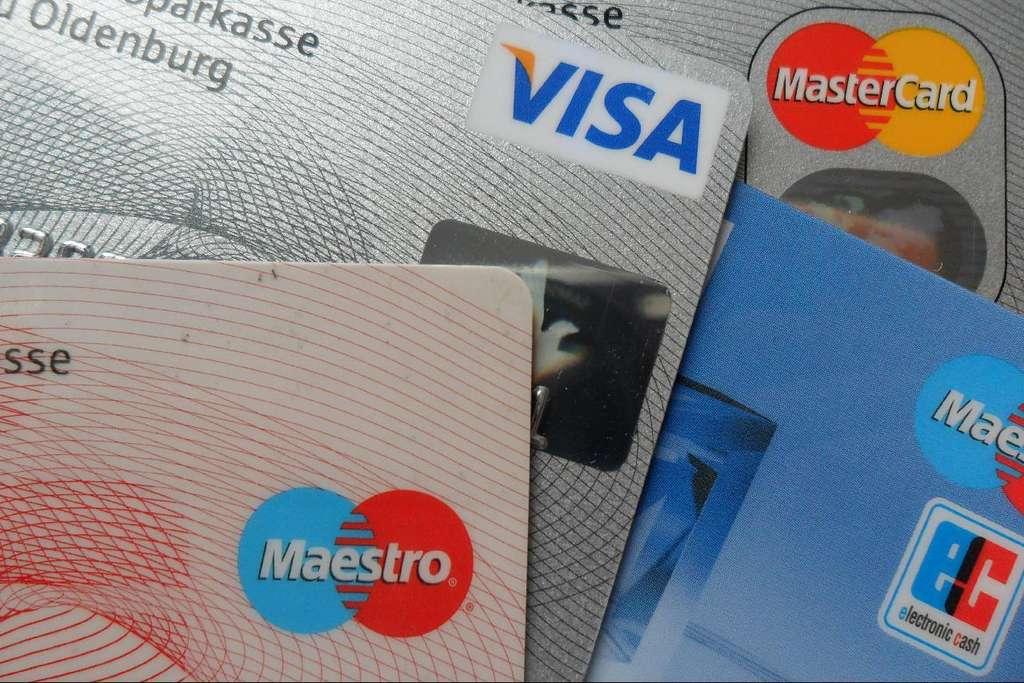 La carte à puce fait partie de notre quotidien. Elle est notamment utilisée dans les cartes bancaires. © Thomas Kohler, Flickr, CC by 2.0