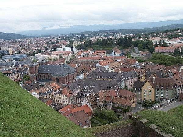 Orange va pouvoir expérimenter le réseau 5G sur la commune de Belfort. © Damien Boucard, Wikimedia Commons, CC by-sa 2.0