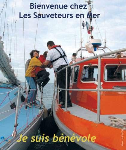 Les sauveteurs en mer ont pour mission le sauvetage des personnes en danger en mer. © SNSM