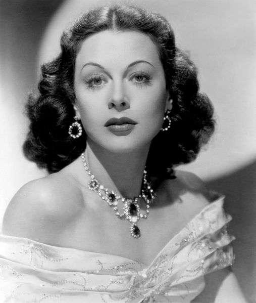 Hedy Lamarr dans le film Vivons un peu en 1948. © Domaine public