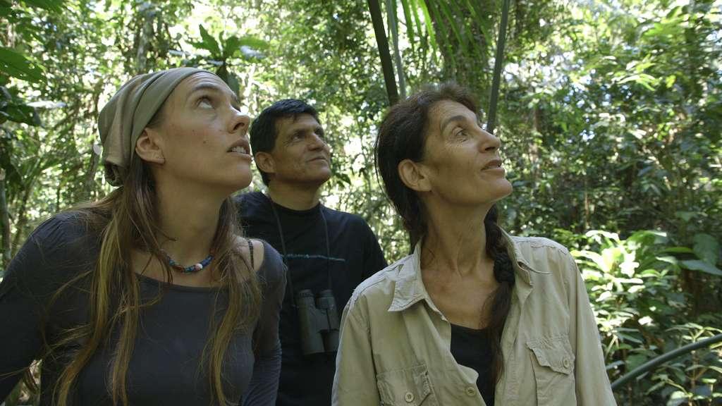 Anne Grégoire et les membres d'Ikamaperu, au Pérou
