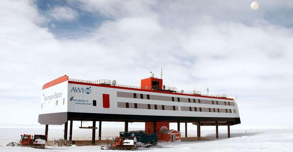Station météorologique Neumayer, en Antarctique. © Worldmetorg, CC by-nc 2.0