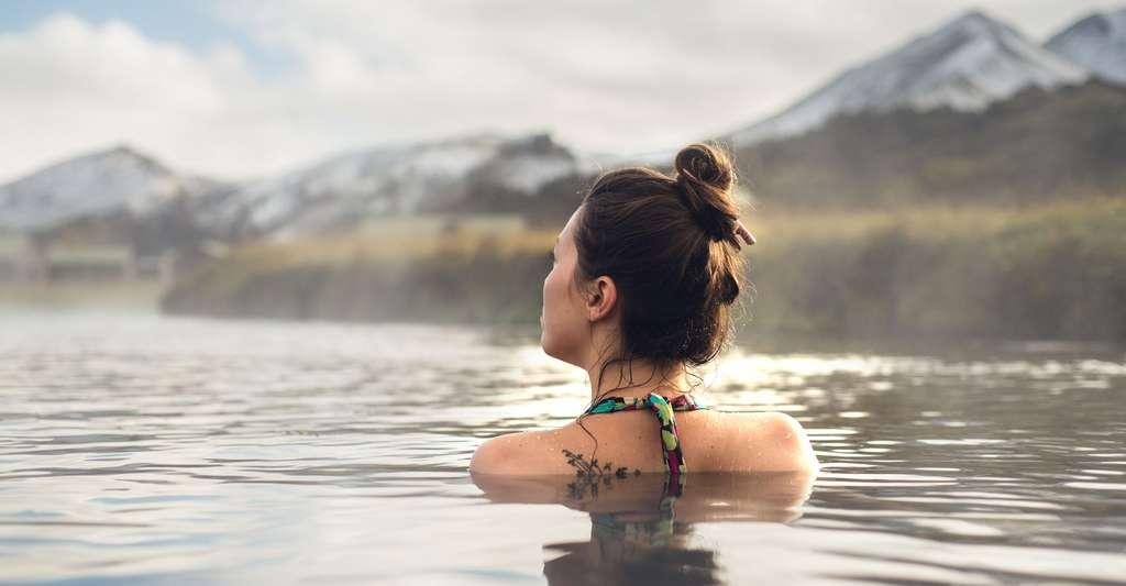 Les sources d'eau chaude sont un bienfait pour la peau. © Gorodisskij, Shutterstock
