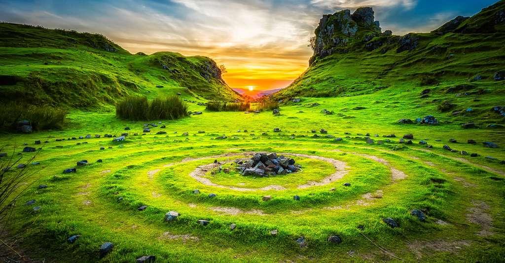 C'est parti pour un voyage en Écosse du nord, dans les Highlands ! Ici, des vestiges sur l'île de Skye. © 12019, Pixabay, DP