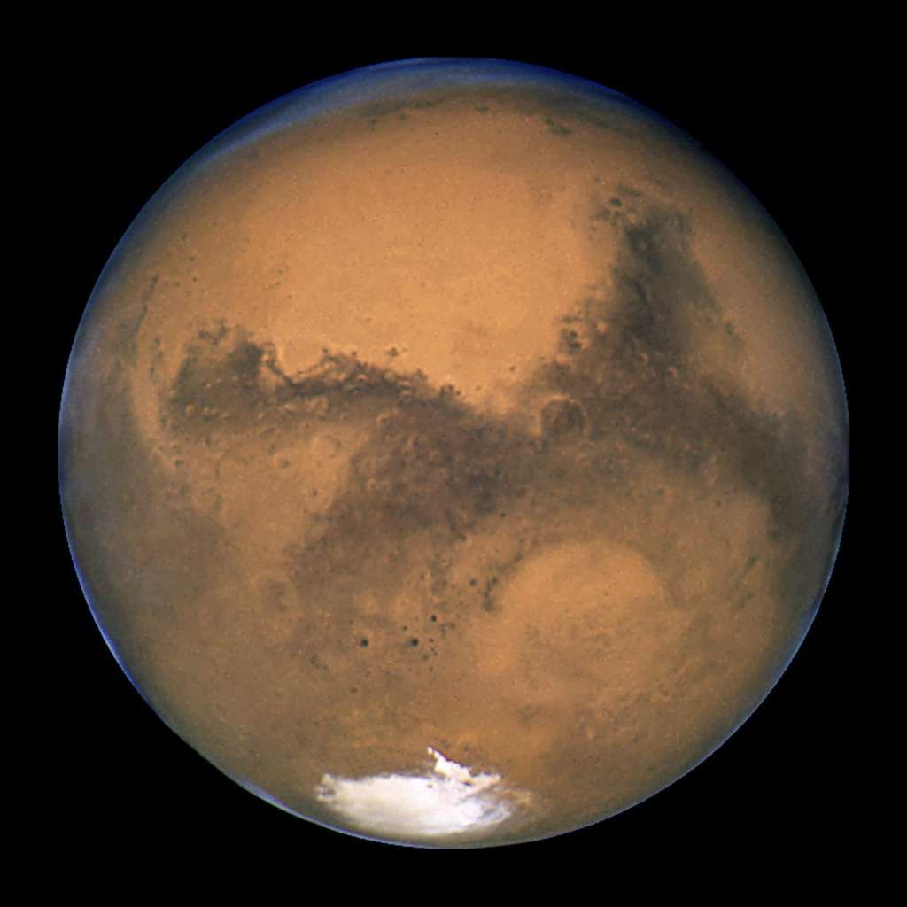 La planète Mars a probablement, un jour, porté de l'eau liquide. Ce fut notamment le cas dans le cratère Gale qui devait contenir un lac. © Nasa, Esa, The Hubble Heritage Team (STScI/AURA), Wikimedia Commons, DP