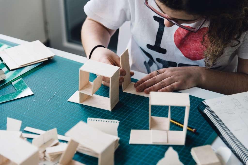 Une prépa archi vous aidera à mettre toutes les chances de votre côté pour intégrer une grande école d'architecture. © jjfarq, Adobe Stock
