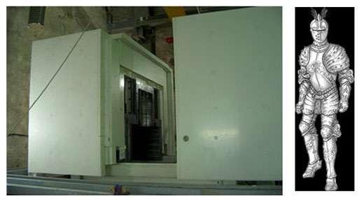 Blindages en polyéthylène (en blanc ~ 30 tonnes) et en plomb (en gris au centre ~ 35 tonnes) de l'expérience EDELWEISS installée dans le laboratoire souterrain de Modane