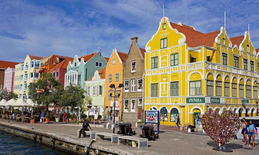 Les façades colorées des maisons de Willemstad. © Antoine, tous droits réservés
