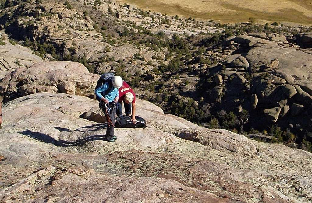Deux géologues en pleine exploration du Lankin Dome, au Wyoming (États-Unis). © Myron Allen