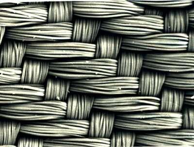 Tissu de viscose formant un ensemble très régulier (microscope électronique à balayage).