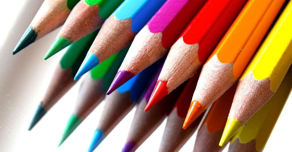 Effet miroir de crayons de couleur. © 422737, CCO
