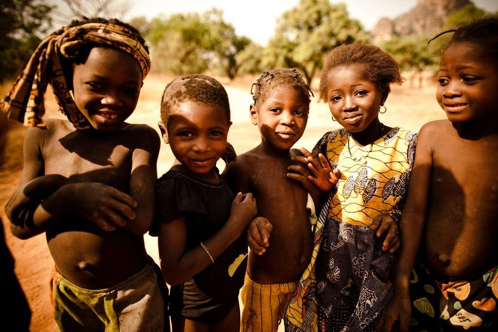 L'Afrique subsaharienne reste la région la plus affectée par l'épidémie de Sida. Dans cette zone pauvre du monde, les moyens de traitement sont limités. © Eric Montfort, Flickr, cc by nc nd 2.0