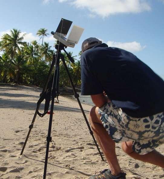 Photomètre enregistrant une courbe de lumière pendant l'éclipse de 2010, en Polynésie française. © Cnes