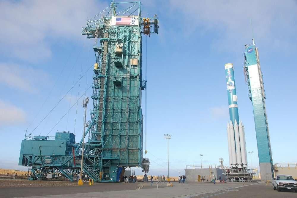 La fusée Delta 2 sur la base Vandenberg (Californie) avant que le satellite NPP soit installé à son sommet. © Nasa/ VAFB