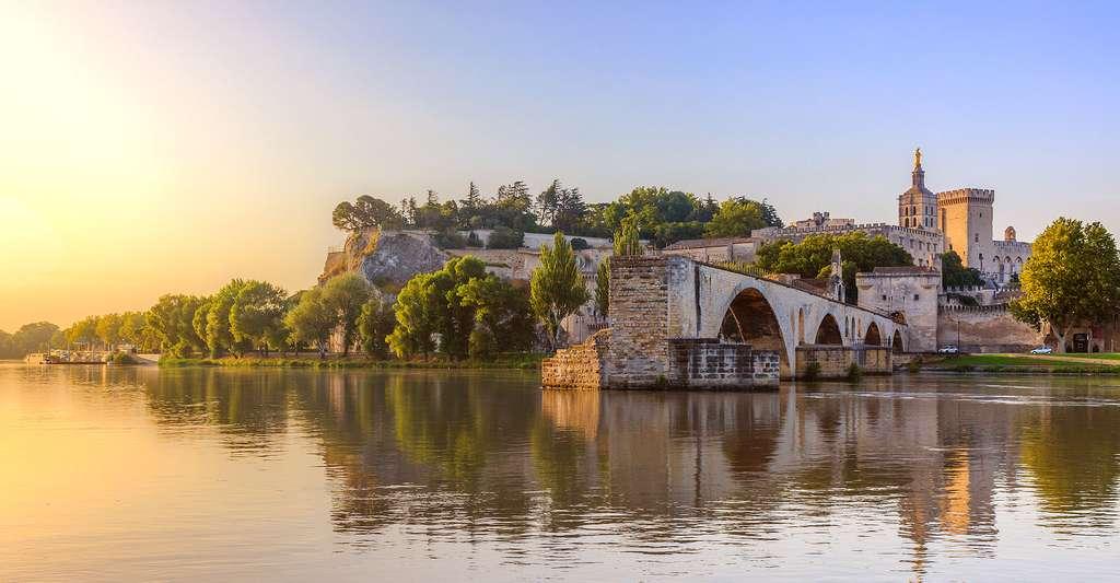 Pont Saint-Bénézet à Avignon dans le Sud de la France. © Chiugoran, Wikimedia commons, CC by-sa 3.0