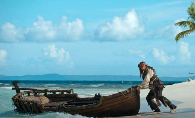 Suivez les aventures de Jack Sparrow dans la saga Pirates des Caraïbes. © Disney