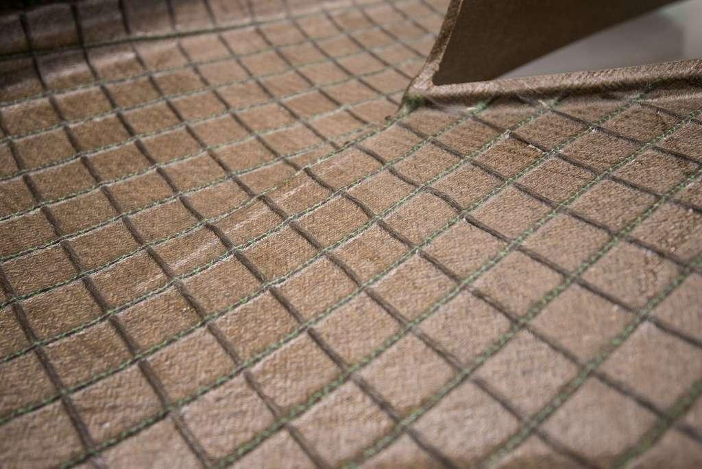 Le matériau composite à base de fibres de lin et de résine biodégradable qui est utilisé pour la carrosserie du Volta Zero. © Volta Trucks