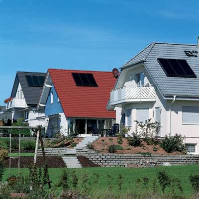 Trois maisons avec capteur solaire © Viessmann Tous droits réservés