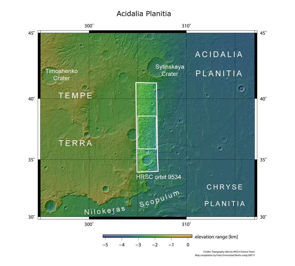 Cette image permet de reconnaître la zone étudiée par Mars Express (rectangle blanc) qui correspond aux pentes reliant Tempe Terra au bassin d'Acidalia Planitia. © Nasa/MGS/Mola Science Team