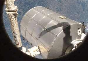 Le module pressurisé fourni par Thales Alenia Space sera une évolution d'un MPLM (ici à l'image attrapé par Canadarm2). © Nasa