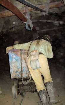 Potosí : mine d'argent, souffrance de plomb (Risal, Réseau d'information et de solidarité avec l'Amérique latine).