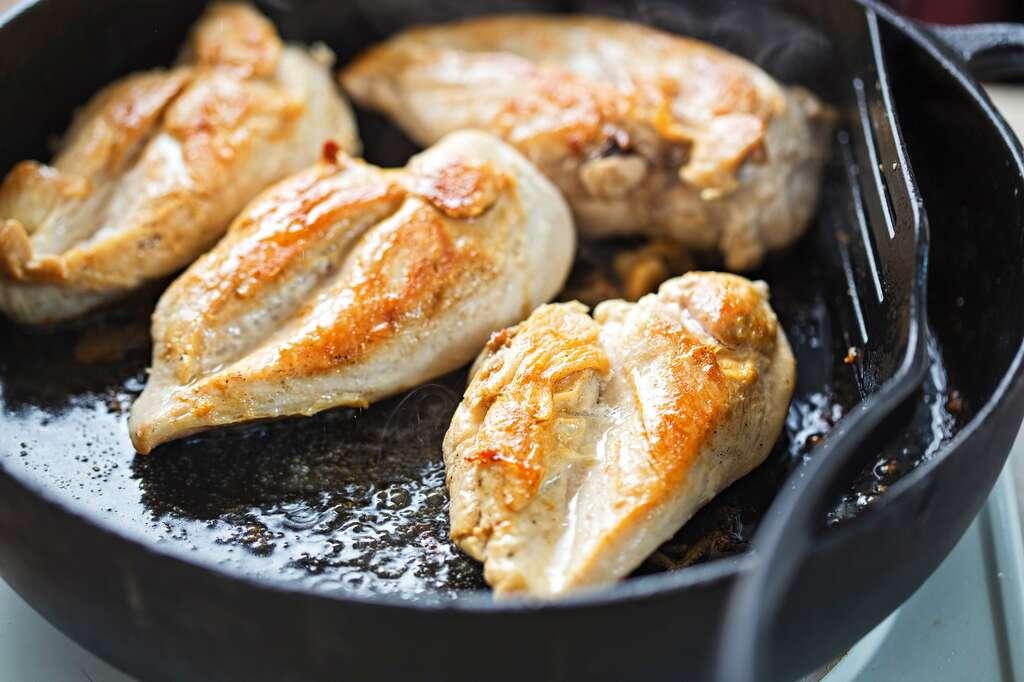 Une fois décongelée, la viande doit être cuite pour pouvoir être recongelée. © Bart, Fotolia