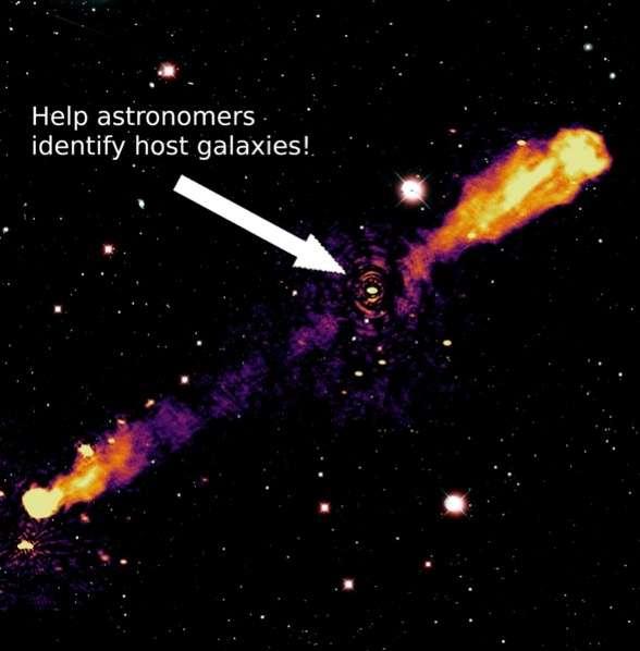La galaxie qui héberge le trou noir à l'origine des jets radio a été identifiée grâce à la superposition des deux images, 3C236 est une radio-galaxie de type Fanaroff et Riley et de classe II (FR II). C'est l'une des plus grandes radio-galaxies connues, avec une structure radio ayant une taille linéaire totale supérieure à 15 millions d'années-lumière. © Lofar Radio Galaxy Zoo, Observatoire de Paris - PSL