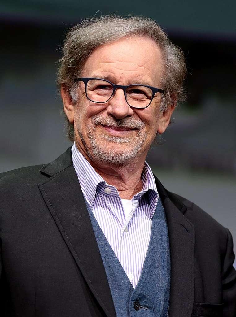 La série d'horreur produite par Steven Spielberg s'appuiera sur votre géolocalisation pour être certain qu'il fasse nuit lorsque vous la regardez... © Gage Skidmore