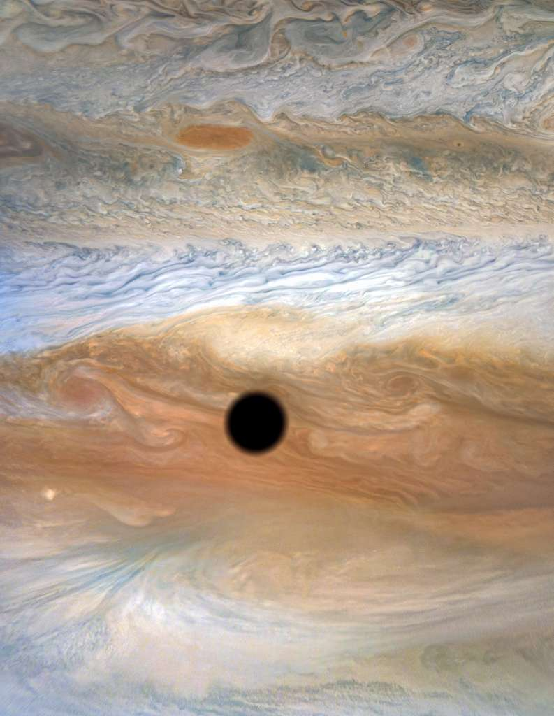 Le spectacle magnifique d'une éclipse de soleil sur Jupiter. © Nasa, JPL-Caltech, SwRI, MSSS, Kevin M. Gill