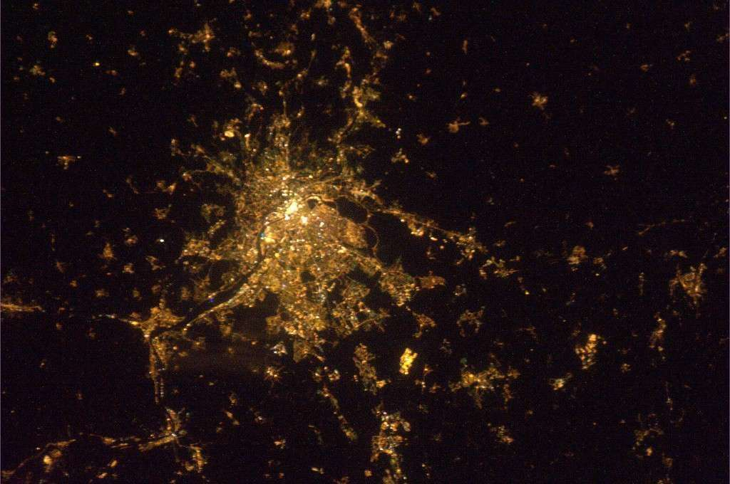 Lyon by night photographiée le 16 février 2011. © Esa/ Paolo Nespoli