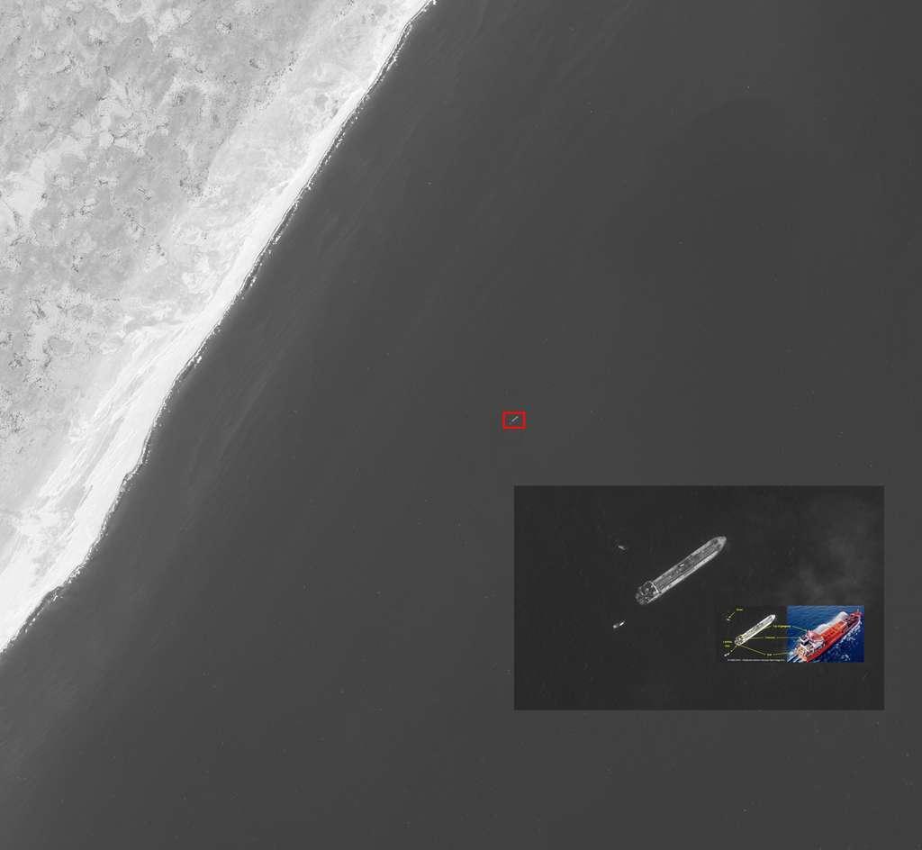 En image, comment deux satellites distincts sont utilisés pour secourir un navire piraté. Spot 5 et Pléiades ont permis de localiser le chimiquier Enrico Evoli, dont des pirates avaient pris le contrôle en décembre 2011. L'utilisation combinée des satellites Spot 5 et Pléiades 1A a permis d'identifier visuellement le navire. © Cnes 2011, Distribution Astrium Services, Spot Image
