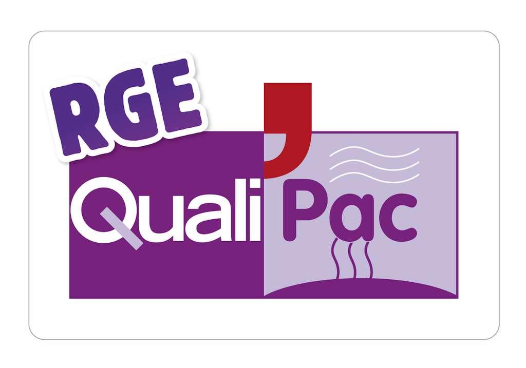La certification RGE QualiPAC atteste que l'entreprise respecte l'ensemble des critères (généraux, techniques) et la charte de qualité exigés. Attribuée pour quatre ans, elle fait l'objet d'un suivi annuel. © Association Qualit'EnR